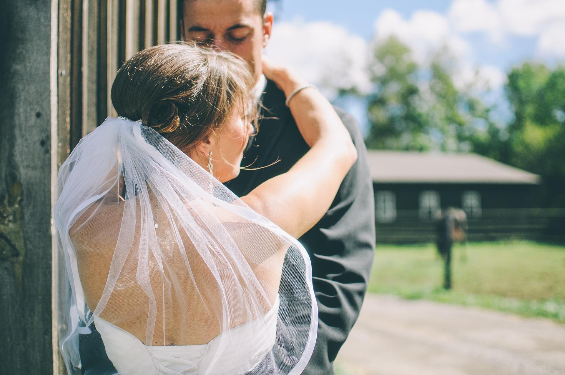 Resultado de imagem para casamento sem convidados